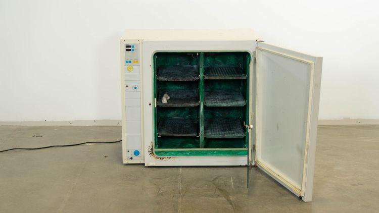 Heraeus BB 6220 Air-Jacketed CO2 Incubator