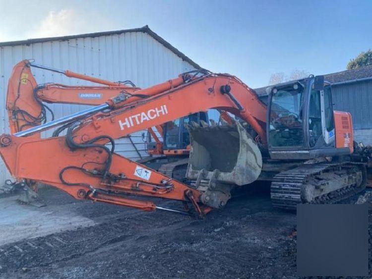 Hitachi ZX 225 USRLC-3 Tracked Excavator