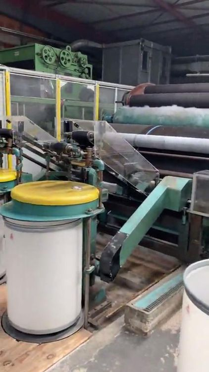 Complete unit for the manufacture of synthetic fur