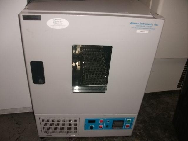 Amerex Gyromax 787R Large benchtop orbital shaking refrigerating incubator
