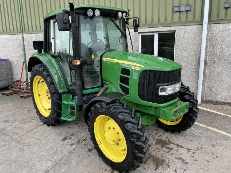 John Deere S6230 Tractor