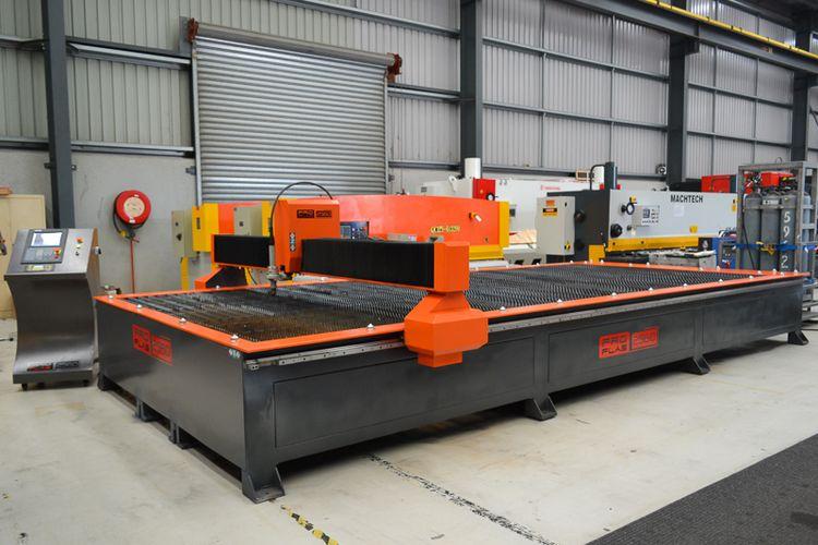 PRO-PLAS 3060 (125 HYPERTHERM) Starfire CNC