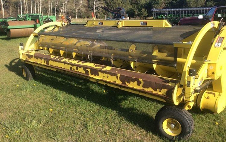 John Deere 645C Self-Propelled Forage Harvester Heads: Windrow