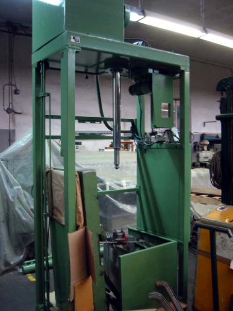St eloi 474 automatic bump press