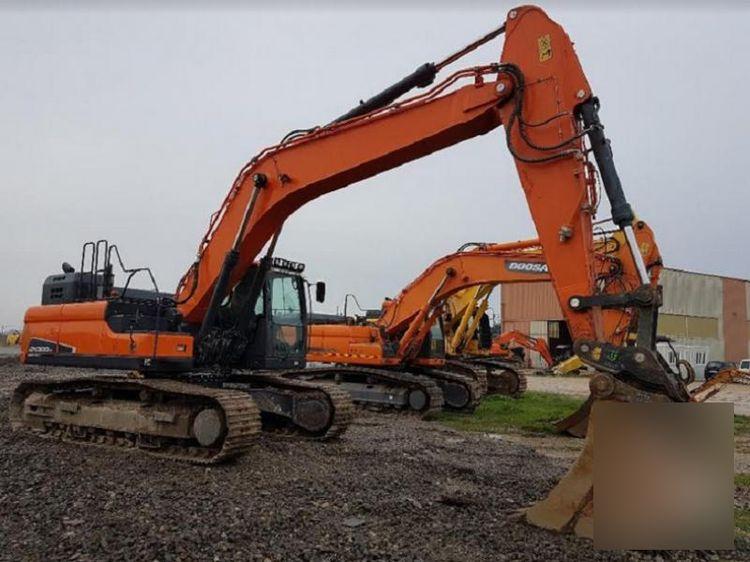 Doosan DX 300 LC-5 Tracked excavator