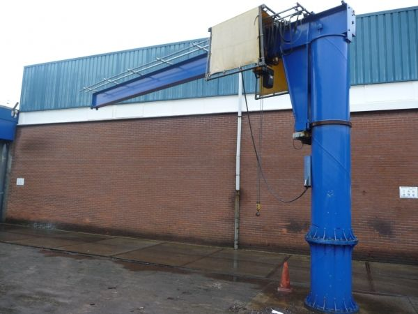 Demag Demag many column cranes with different tonnage lifting heights