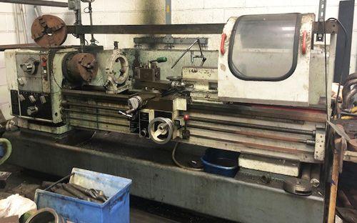 Harrison Engine Lathe 2000 rpm M400