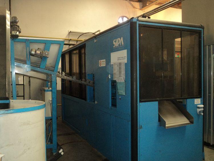 SIPA SF 8/4 Stretch Blow Moulding machine