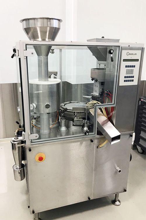 Macofar MT 40 Capsule filling machine