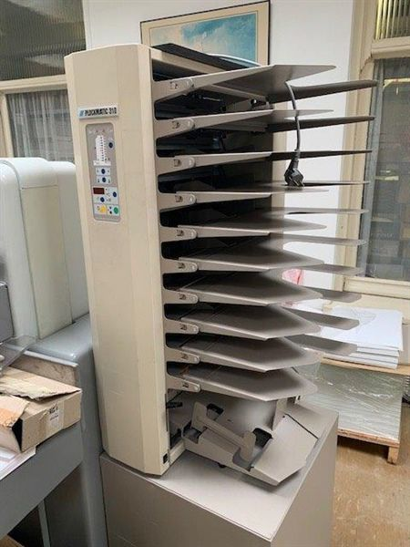 Plockmatic 310, 10 station collection machine