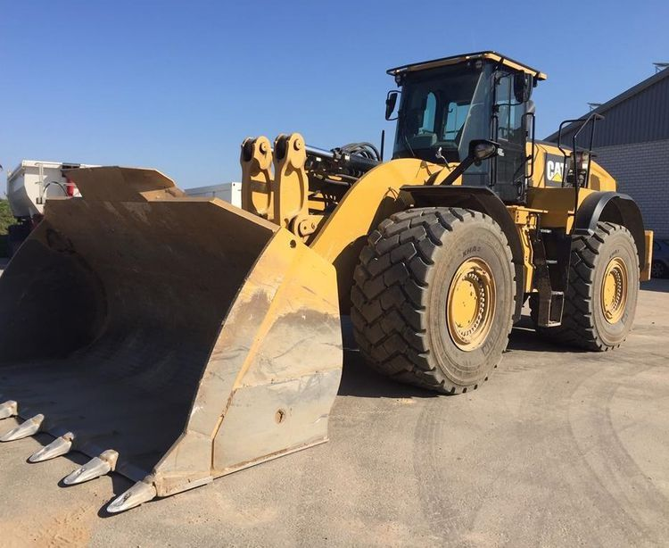 Caterpillar 982M Wheel Loader