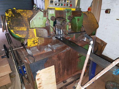 Cosen Horizontal Bandsaw semi automatic