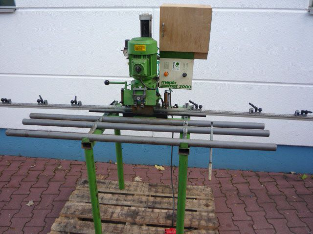 Mepla Mat 3000, Row hole / cup drill