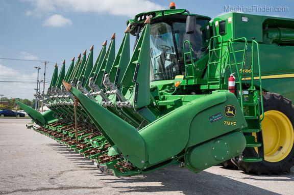 John Deere Corn and Row Crop headers