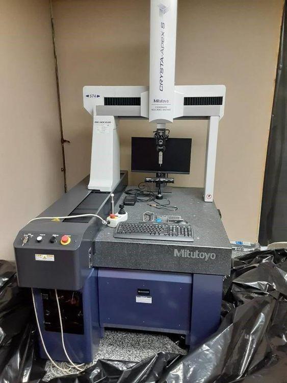 Mitutoyo Crysta Apex S574 DCC Coordinate Measuring Machine