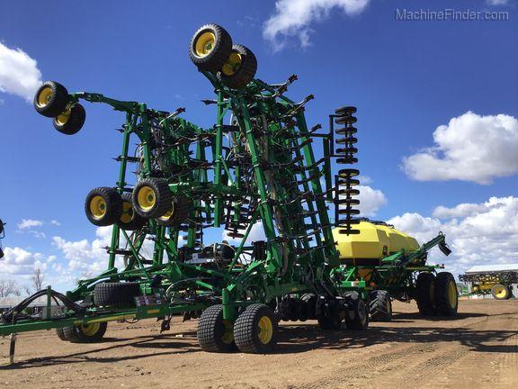John Deere 1830 Air Drills and Seeders