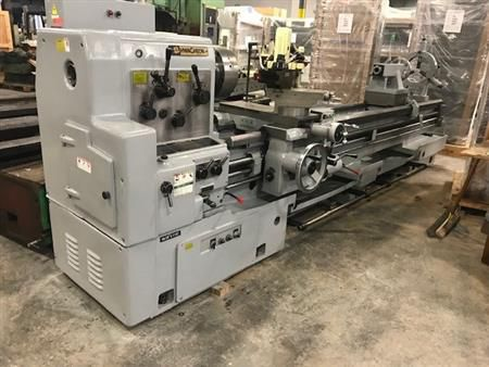 Hwacheon Engine Lathe 1205 rpm HL 720/3000