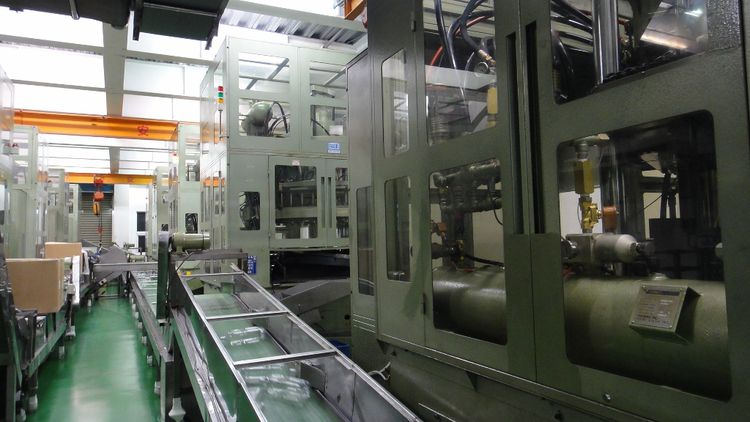 10 Aoki SBIII 500 LL 75 Injection Stretch Blow Moulding machines