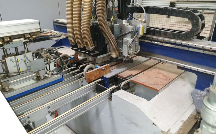 Holetronic, CNC cabinet door drilling and fitting system