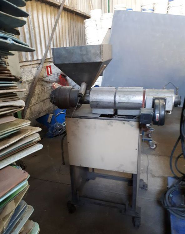 Muller Extruders