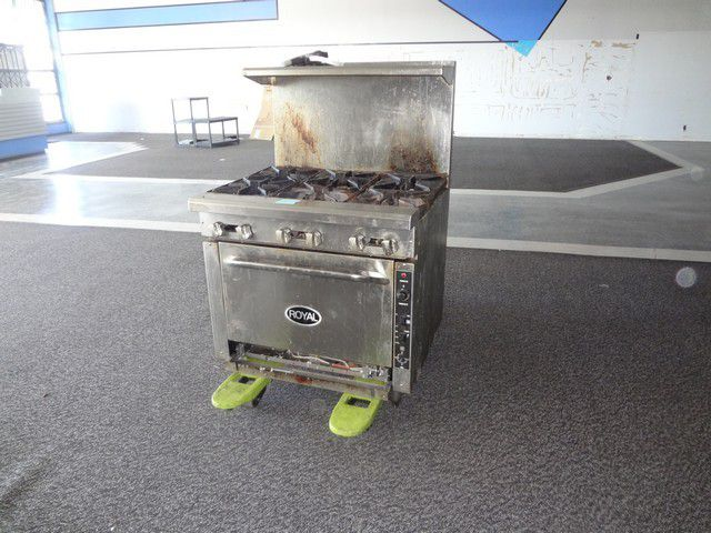 Royal 6 Burner Gas Stove w/Convection Oven