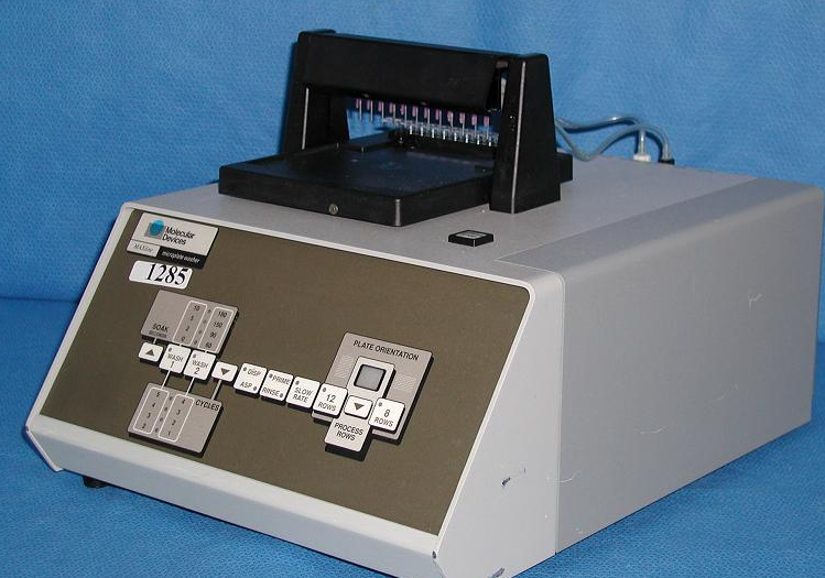 Molecular Devices 4845 - 02 Microplate reader