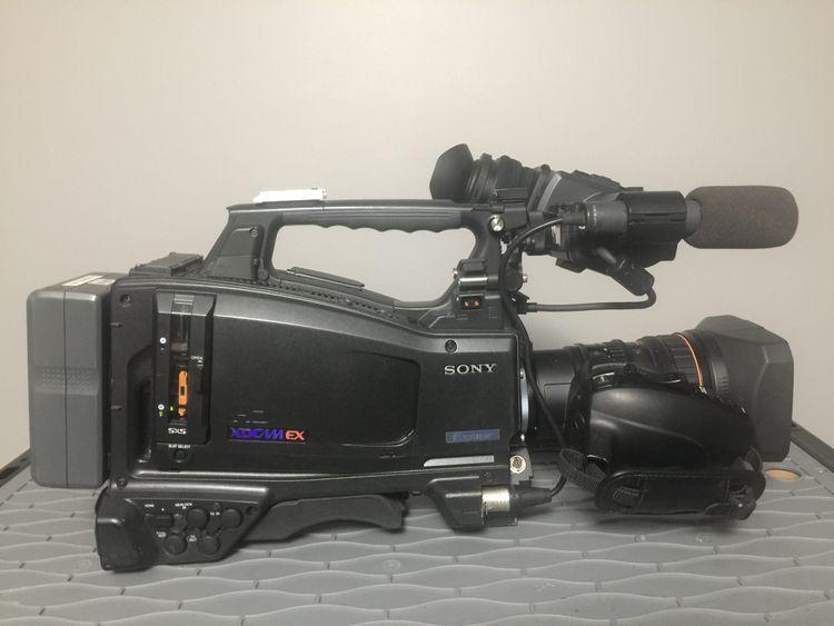 Sony PMW-320K 1/2″ XDCam Camcorder