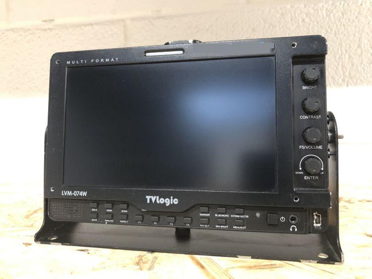 TV Logic LVM-074W Lightweight Monitor