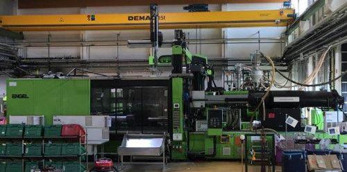 Engel injection molding machine 1200 T