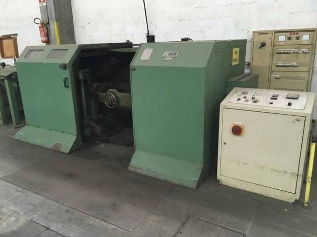 Lesmo DOUBLE TWIST MONOARCH BUNCHING MACHINE LESMO (2 AVAILABLE)