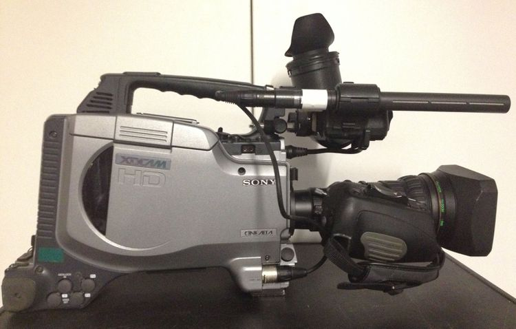 8 Sony PDW-F330K