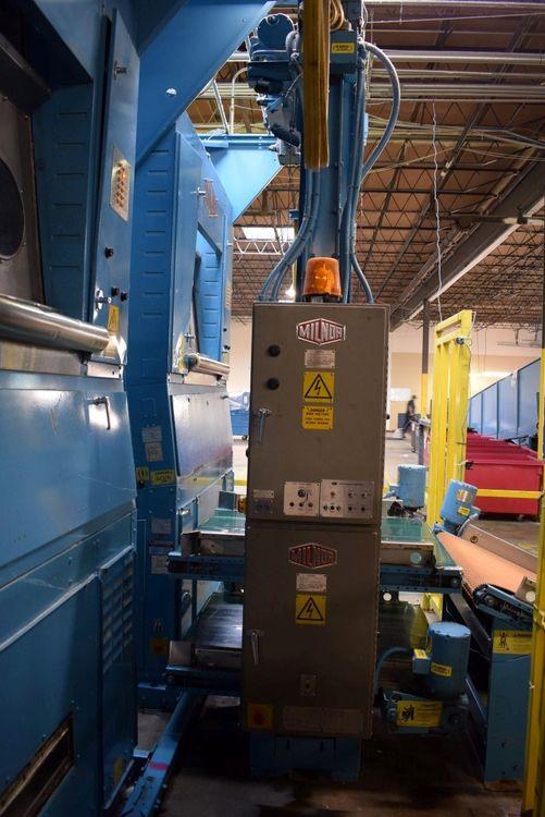 Milnor COSHA112 Shuttle Conveyor