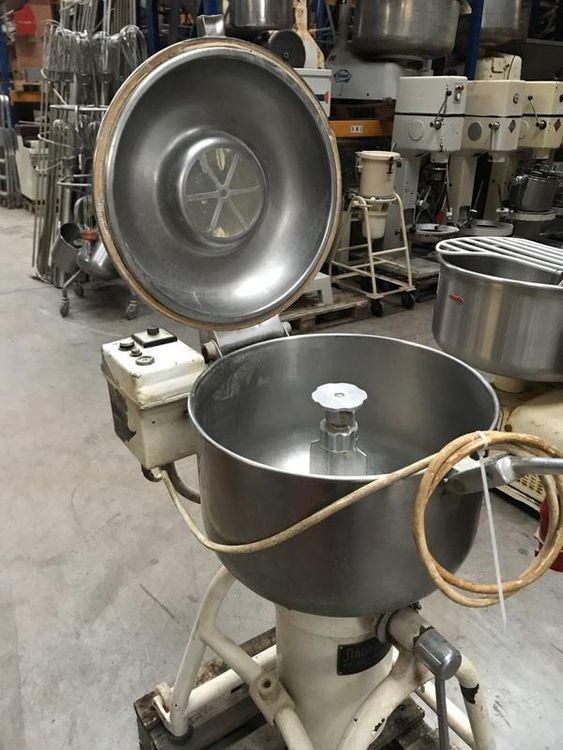 Stephan Baker Boy Breadcrumb grinder / mixer
