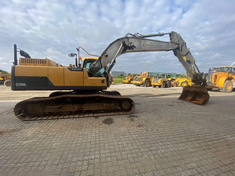 Volvo EC 250 D L Tracked Excavator