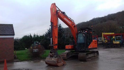 Doosan DX140LC-5 Excavator