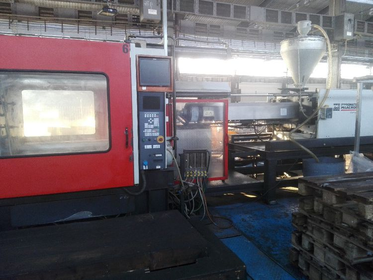Ferromatik Injection molding machine 800 T