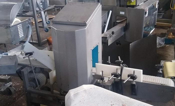 Loma IQ3 metal detector