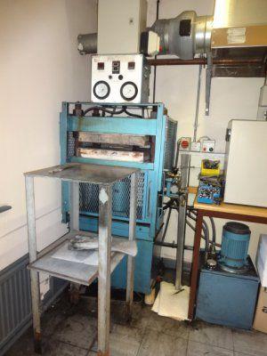 Moore Hydraulic Laboratory Press